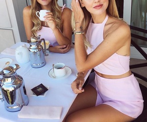 fashion, girl, and friendship image