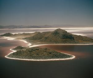 theme and Island image
