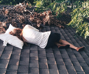girl, roof, and sleep image