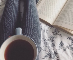 books and tea image