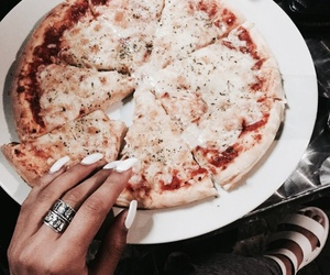 aesthetic, pizza, and white image