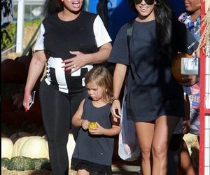 kourtney kardashian, kuwtk, and penelope disick image