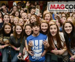 hayes grier and magcon family image