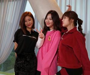 yura, hyeri, and minah image
