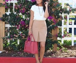 beige, salida, and falda image