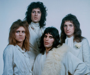 Queen, Freddie Mercury, and 70s image