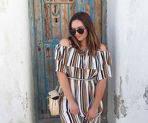 blogger, vacation, and brunette image