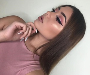 beauty, girls, and highlighter image