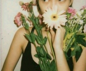 flores, flowers, and model image