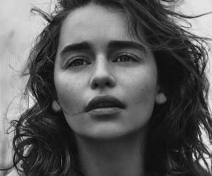 emilia clarke, game of thrones, and black and white image