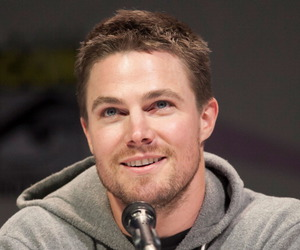 oliver queen, arrow, and stephen amell image