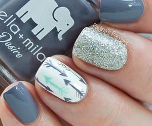 nails and moda image