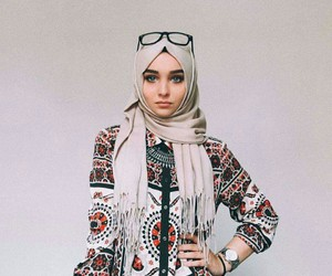 hijab, islam, and fashion image