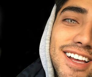 blue eyes and smile image