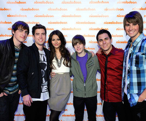 victoria justice, justin bieber, and big time rush image