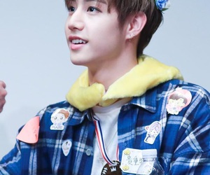 kpop, cute, and mark tuan image