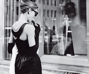 audrey hepburn, Breakfast at Tiffany's, and tiffany image