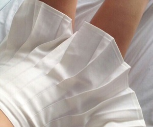 white, skirt, and aesthetic image