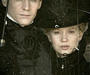 tom hiddleston, sir thomas sharpe, and crimson peak image