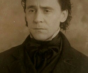 tom hiddleston, crimson peak, and sir thomas sharpe image