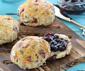 scones and cranberry image