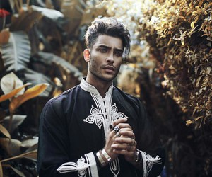 model, handsome, and toni mahfud image
