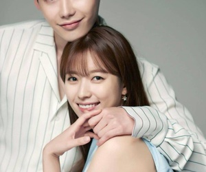 kdrama, couple, and w image