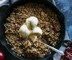 apple, crumble, and oats image
