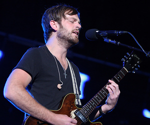 caleb followill and kings of leon image