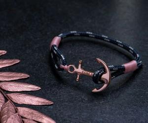bracelet and tom hope image