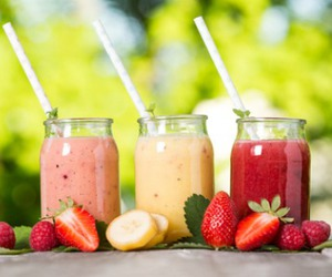 smoothie, strawberry, and fruit image