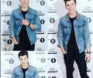guitar, music, and shawn mendes image