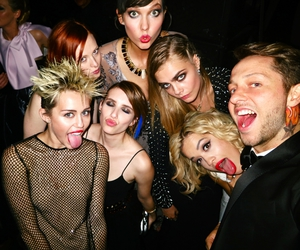 best friends, emma roberts, and squad image