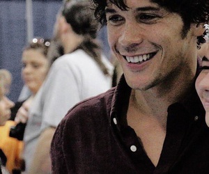 bob morley, bellamy blake, and handsome image