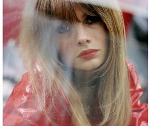 jean shrimpton and model image