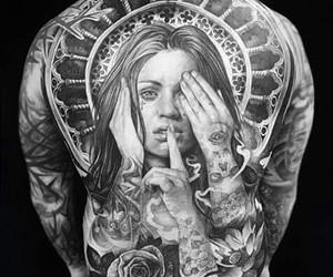 tattoo, mann, and rücken image