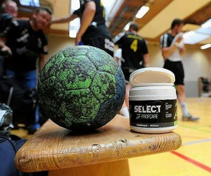 handball and passion image
