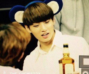 so cute, a fan give him a wisky, and haah this kid image