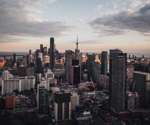 city, grunge, and toronto image