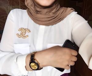 chanel, hijab, and hijaber image
