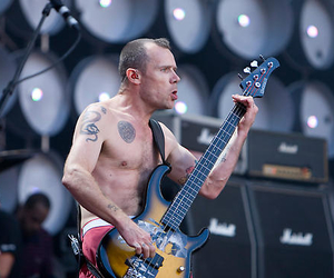 bass, concert, and flea image