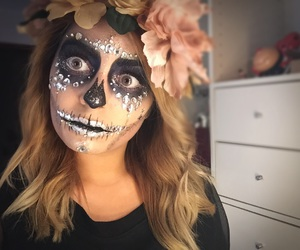 beauty, glitter, and Halloween image