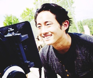 actor, steven yeun, and walking dead image