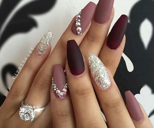 nails and unghie image