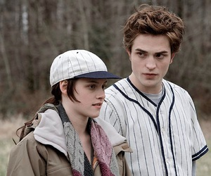 bella swan, couple, and new moon image