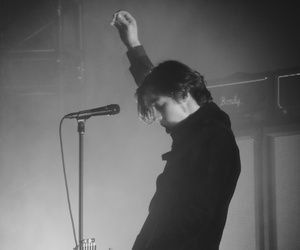 concert, catfish and the bottlemen, and van mccann image