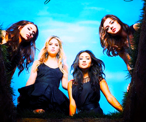 pretty little liars, pll, and prettylittleliars image
