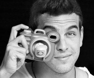 mario casas, camera, and handsome image
