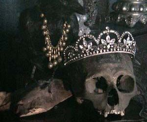 skull, crow, and crown image