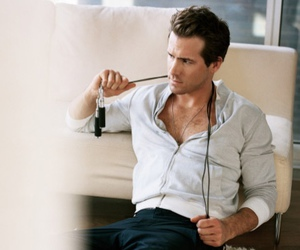 ryan reynolds, actor, and celebrity image